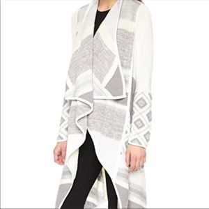 Vince Graphic sweater Cardigan warm comfy sexy